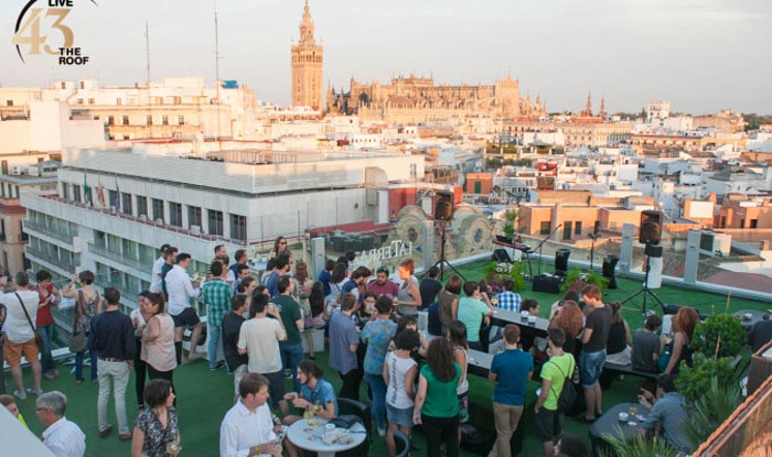 Nightlife in Seville. 5 main areas, info and plans