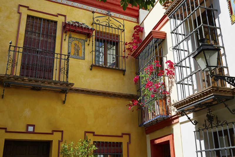 Santa Cruz Quarter Seville https://seville-city.com/